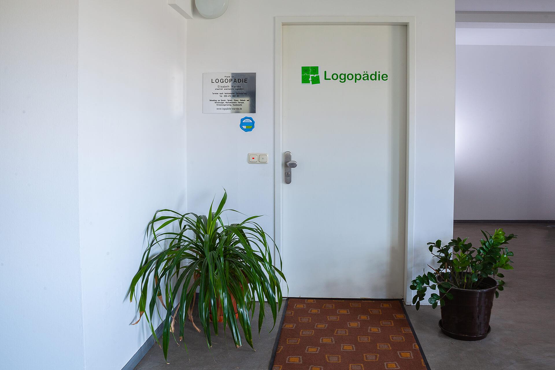Eingangstuer-Praxis | Praxis für Logopädie Elisabeth Warnke